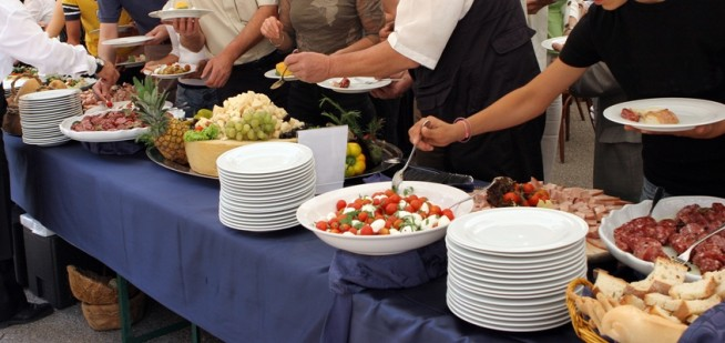 Wedding-Catering-Tips-And-Advice-e1447430410129